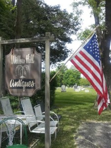 cemetery in southold w flag